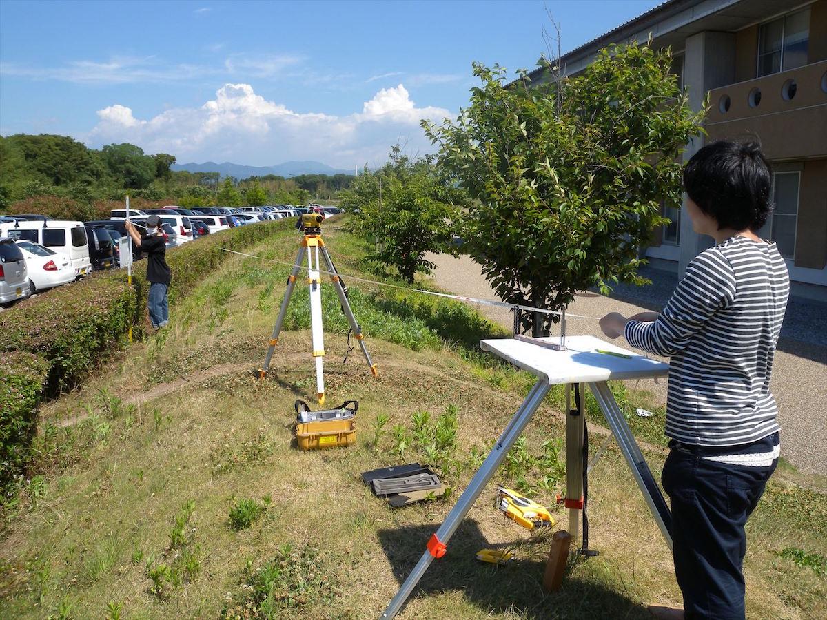 考古学実習平板測量の実習